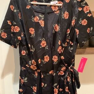 Dresses & Skirts - Floral pant suit romper